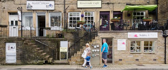 Silver Dream, Riverside Café, Bubbles & More, Hollowgate