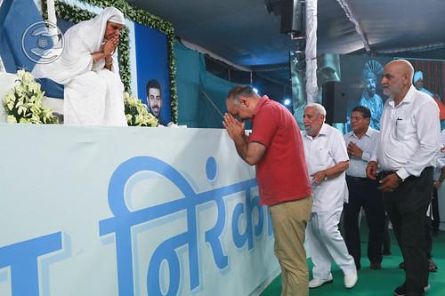 Manish Sisodia, Deputy Chief Minister of Delhi, seeking blessings