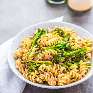 Broccolini + Balsamic Pasta (Source) VeganFoodPorn.pictures/ | Vegan Cookbooks On Sale! Like Us On Facebook | Follow Us On Twitter | by veganfoodpornpictures