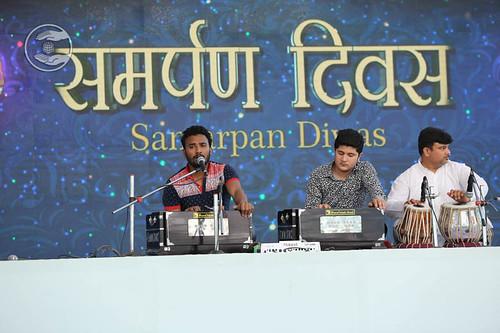 Punjabi devotional song by Harjinder Mani and Saathi from Talwandi Bhai, Punjab