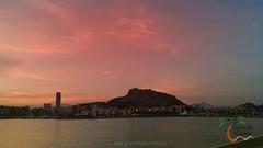 Buenas noches #GentedeAlicante! :blush: #Alicante desde el puerto :boat: unas bonitas vistas para despedir éste día de no parar :wink: Esperamos que vosotros hayáis tenido un magnífico día ☺ Os deseamos un magnífico descanso a todos. Mañana más! :wink: Bo