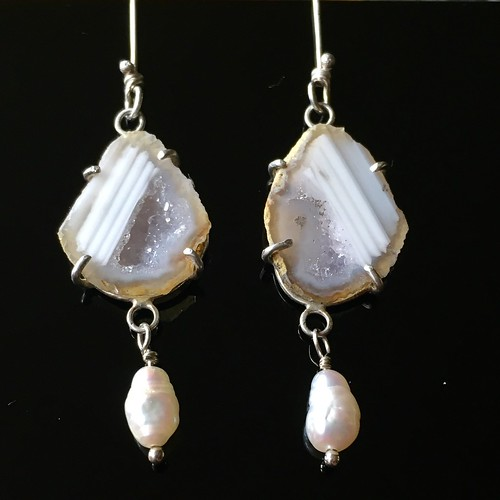 Mini geode and pearl earrings | by jujubysarah