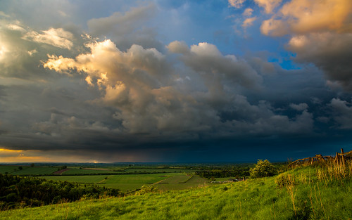 landscape landscapephotography kingsclere sunset goldenhour hampshire canon canon6d canon2470f28 findmethere zygierphotography marcinzygier martinzygier earthfocus discoverearth clouds view dramatic