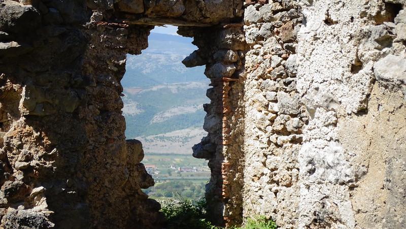 Sul sentiero da San Michele Alle Grottelle verso l'Alvaneta