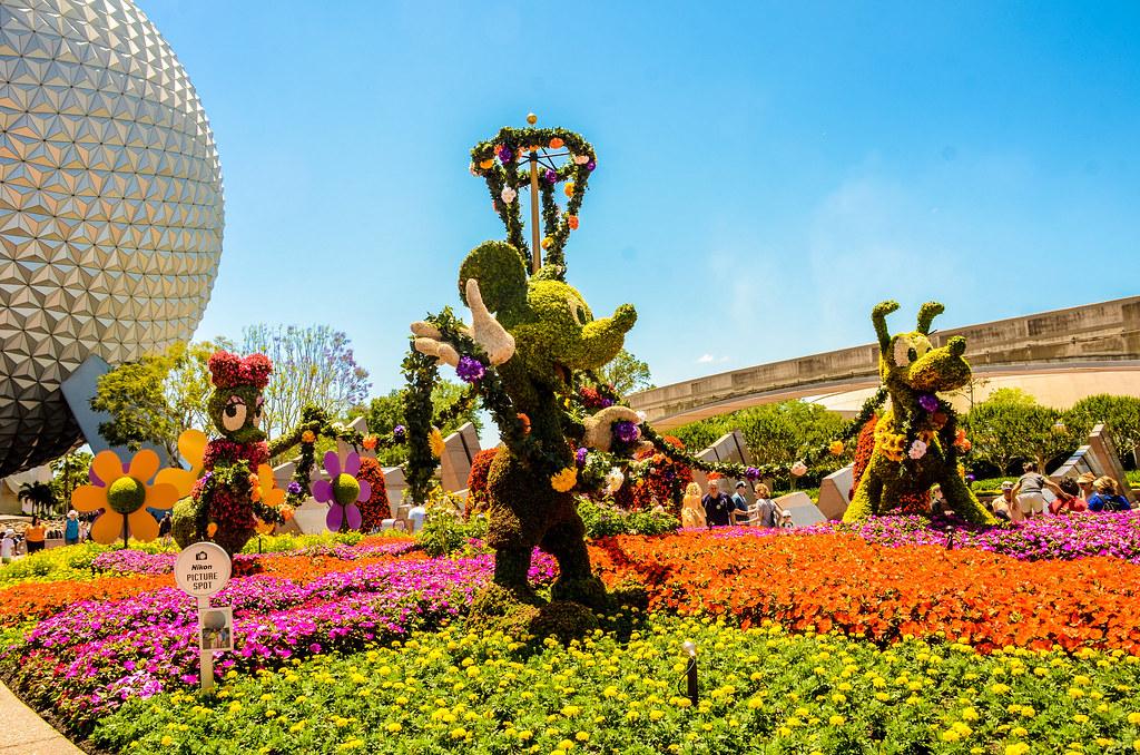 Mickey Epcot Topiary