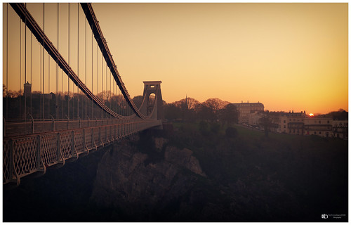 early morning sunrise clifton suspension bridge england bristol