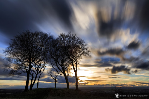 bernacer sep silent eagle photography silenteaglephotography canon canoneos5dmarkiii sunset copthill sevensistersroundbarrow tree long longexposure sky clouds move slow orange outdoor northeast england sun night iso50 silhouettes