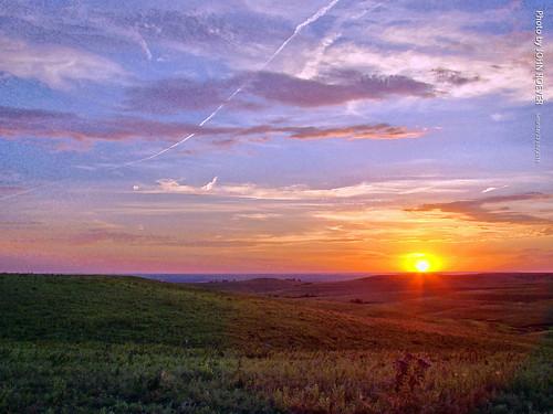 kansas flinthills wabaunseecounty prairie landscape nature sunset summer rural country 2016 july july2016 skylineroad usa