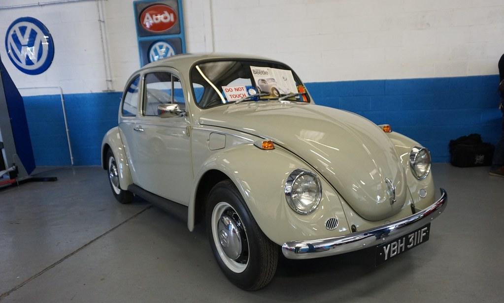 vw beetle  akers garage ybh  stonetemplepilot flickr