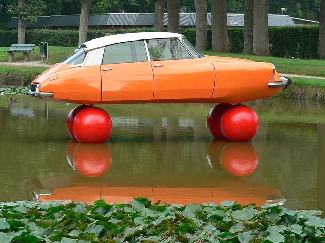 Citroën DS floating (1010257)