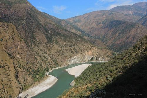 montagnes nepal préci rivière sunkoshiriver