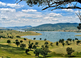 26 December 2004 - Picturesque view east from Lake Rd, across Hume Dam backwaters towards Tallangatta, Victoria, Australia