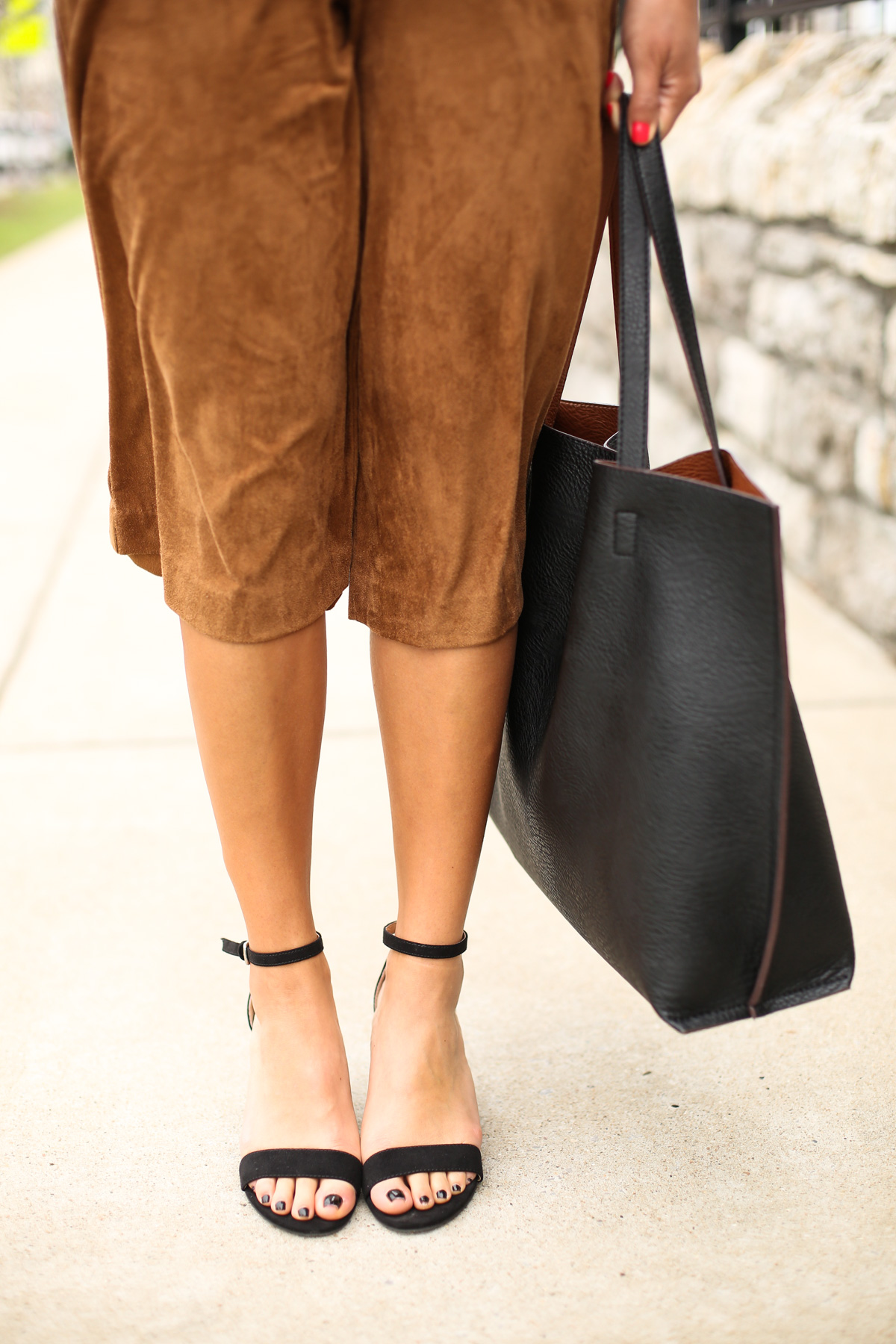 Priya the Blog, Nashville fashion blog, Nashville fashion blogger, Nashville style blog, Nashville style blogger, Spring fashion, Spring office outfits, wear to work Springtime, how to style culottes, suede culottes,