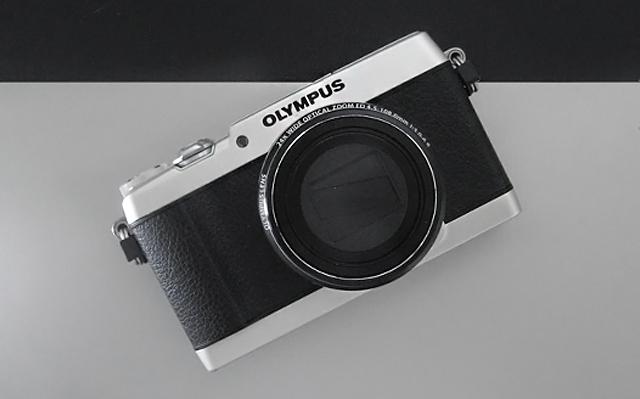OLYMPUS オリンパス コンパクトデジタルカメラス STYLUS SH-1