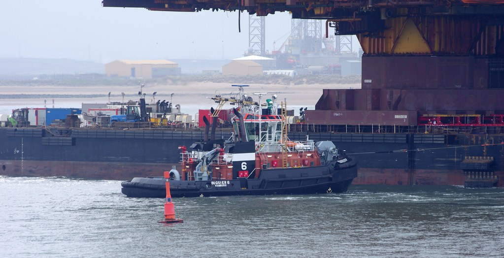Bugsier 6 with the Allseas Barge