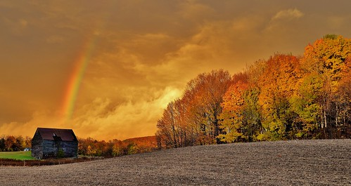 sunset rainbow stom clouds nature fall foliage color trees farm landscape scene scenic wow barn rensselaer county poestenkill oz light newyork ny upstate 518 capitalregion nikon d610 rwgrennan rgrennan ryan grennan amazing field sky rural