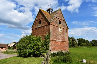 The old dovecote at Pigeon House Farm near the village of Eldersfield in Gloucestershire | by Paul Anthony Moore