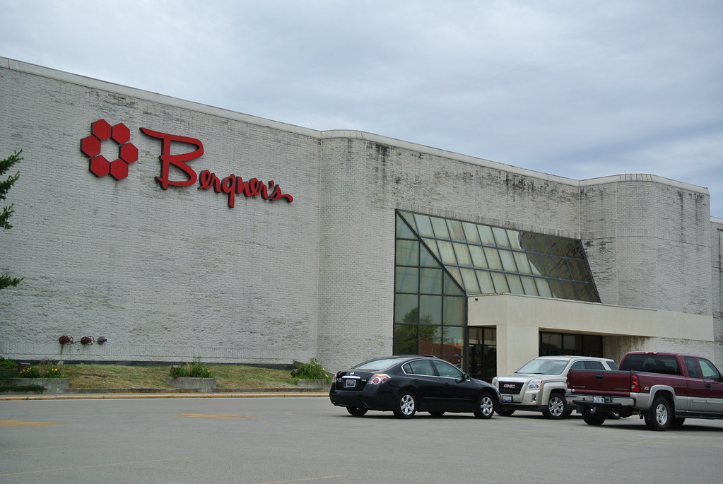 Decatur Il Mall >> Bergner S Hickory Point Mall Decatur Il Opened In 1978 Hi