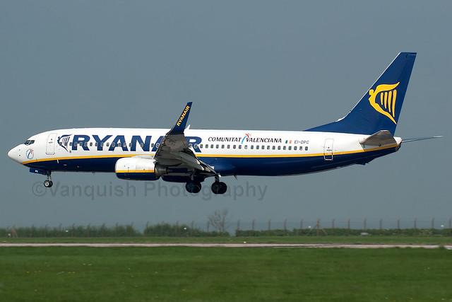 EI-DPC Ryanair B737-800/WL Old Colours East Midlands Airport Archive