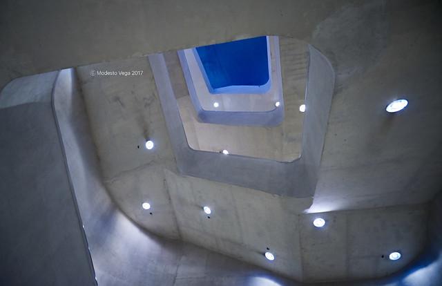 Main staircase (I)