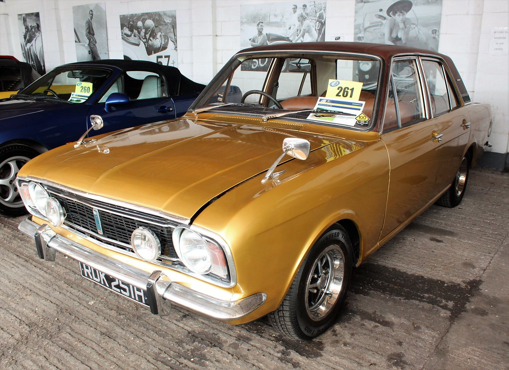RDK 251H (2) | 1970 Ford Cortina 1600E  11 previous keepers