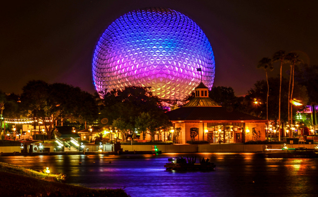 SSE close across water Epcot
