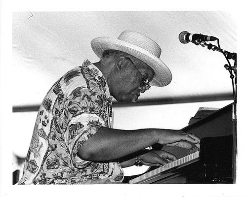 Ellis Marsalis Jazz Fest 2000. Photo by Black Mold.