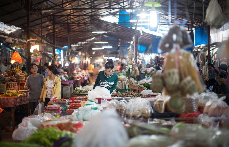 Thakhek food market