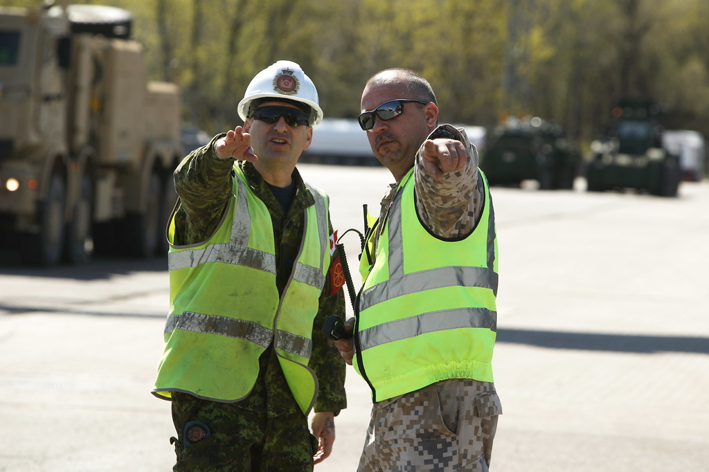 Sadarbība ar Kanādas bruņotajiem spēkiem