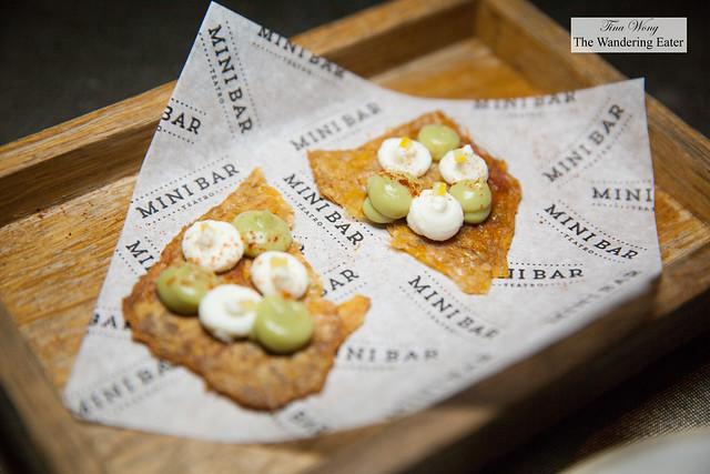 """Roasted chicken"" with avocado cream, cottage cheese, piri piri and lemon"