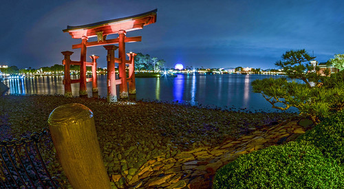 Pagoda and SSE Epcot night | by gamecrew7