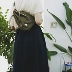 ボディバッグ:REDMOON RM-BBS SGO(ソフトレザー ゴールデンオリーブ) . . 手軽に背負えるショルダーバッグは、とっても便利♪ これからの季節にもぴったりなアイテムです👍 . . #MadeInJapan #メイドインジャパン #Wallet #leatherwallet #Bag #レザー財布 #革小物 #fashion #fashionista #ネオラティン #fashiondiaries #fashionblog #fashiongram #fashionsty