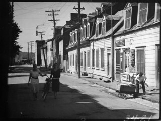 Houses near Wolfe's Cove [Anse-au-Foulon], Quebec City, Quebec / Maisons près de l'Anse-au-Foulon, Québec (Québec)