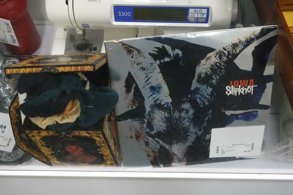 Stuff Etc in Cedar Rapids 5-3-17 02 | Slipknot vinyl album s