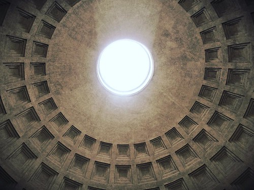 FMS Photo A Day May 1 - Window #fmspad #fmsphotoaday #pantheon #rome #italy #ladinitaly2017 #catchingup #betterlatethannever | by Laurel Storey, CZT