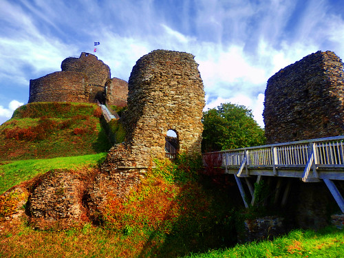 cornwall launceston launcestoncastle medievel building architecture outdoor outside oldtown oldwivestale wall oldwall englishheritage castle fort fortress motteandbailey