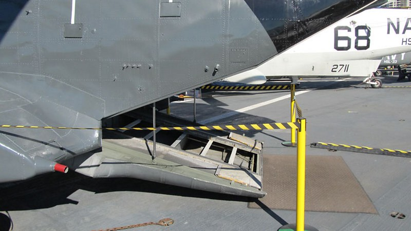 Boeing CH-46 Seaknight 3
