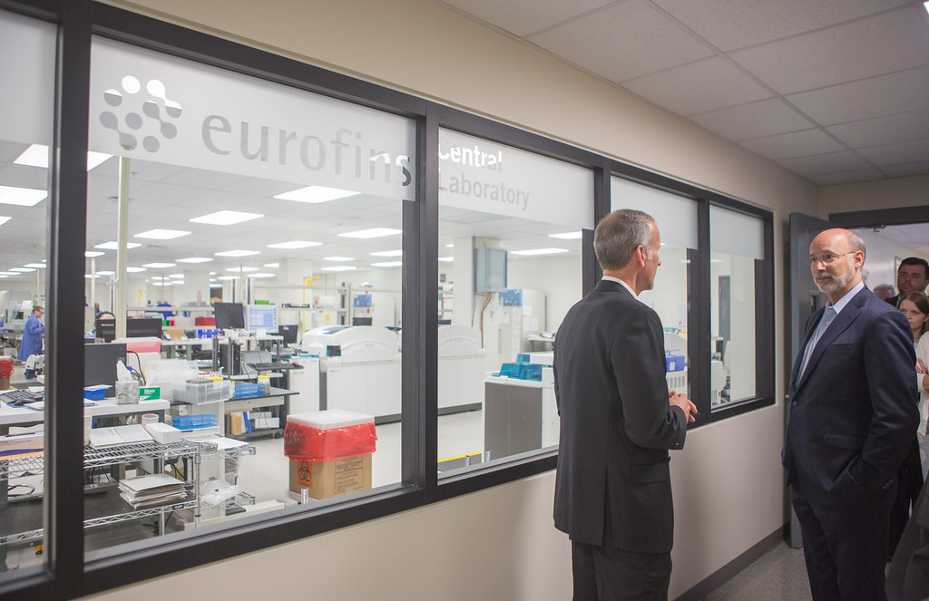 """On """"Jobs that Pay"""" Tour Governor Visits Eurofins Lancaster"""