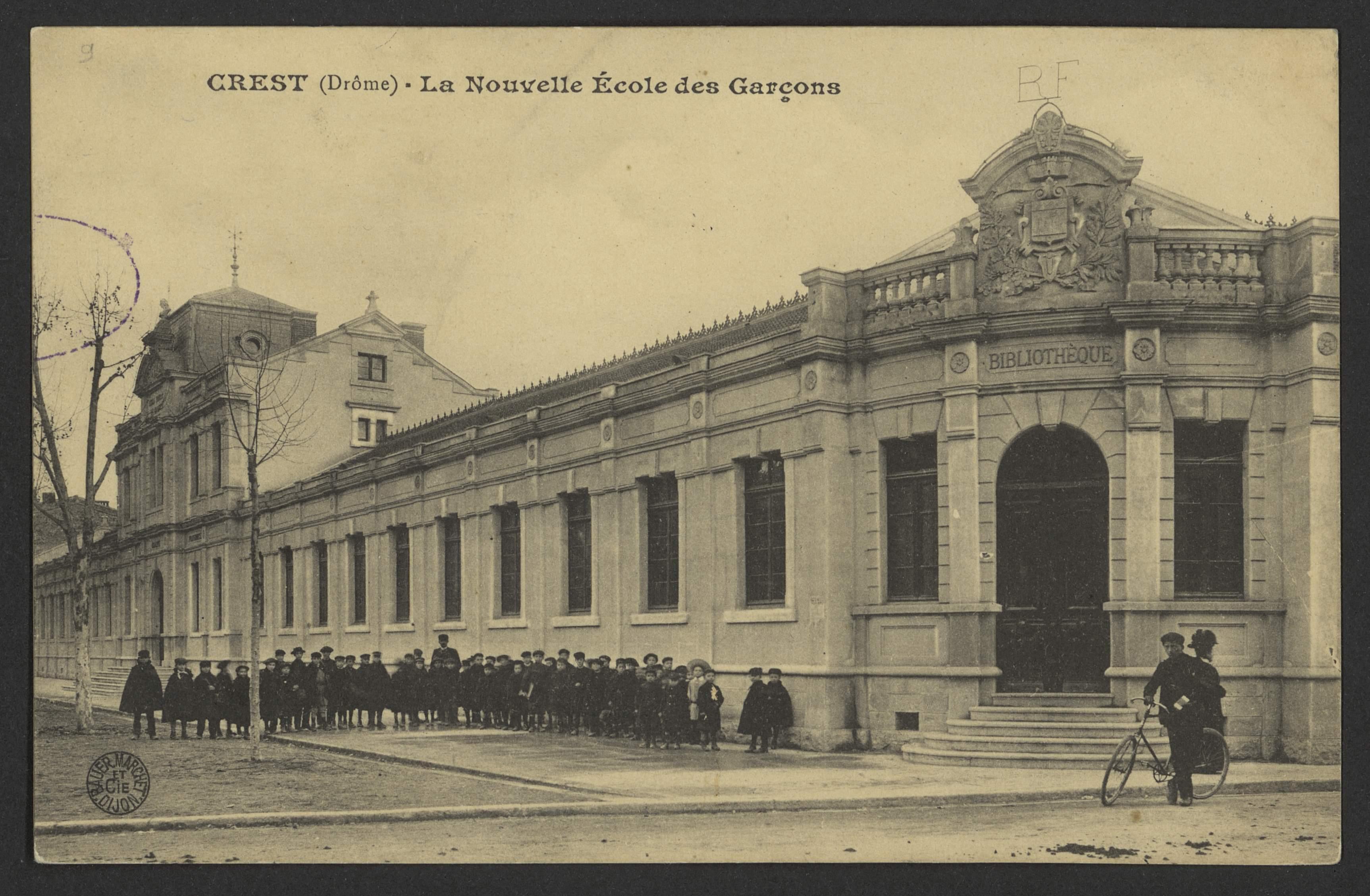 Crest (Drôme) - La Nouvelle École des Garçons