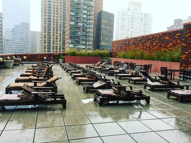 It's #rainy #friday here in #newyorkcity . I can't wait to be #sunbathing #rooftop when the #sun is #out #summer please come! #eqx #equinox #sports #club #nyc  #uws #gym #health #fitness #commitment #committosomething #pictureoftheday #photooftheday #iger