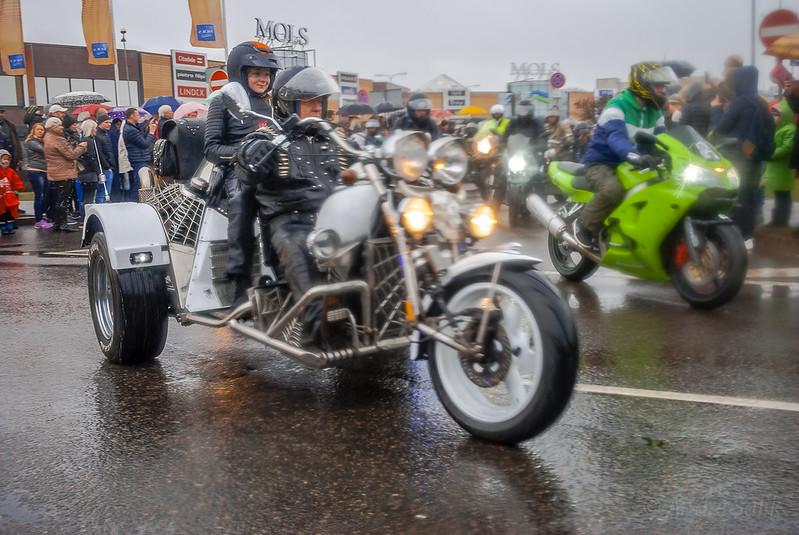 Cool motorbike! 13:05:57 DSC_4921