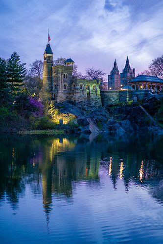 nyc nycnight nycsunset newyorkcity newyork newyorkstate centralpark turtlepond lake water reflection belvederecastle manhattan park sunset clouds nature springs
