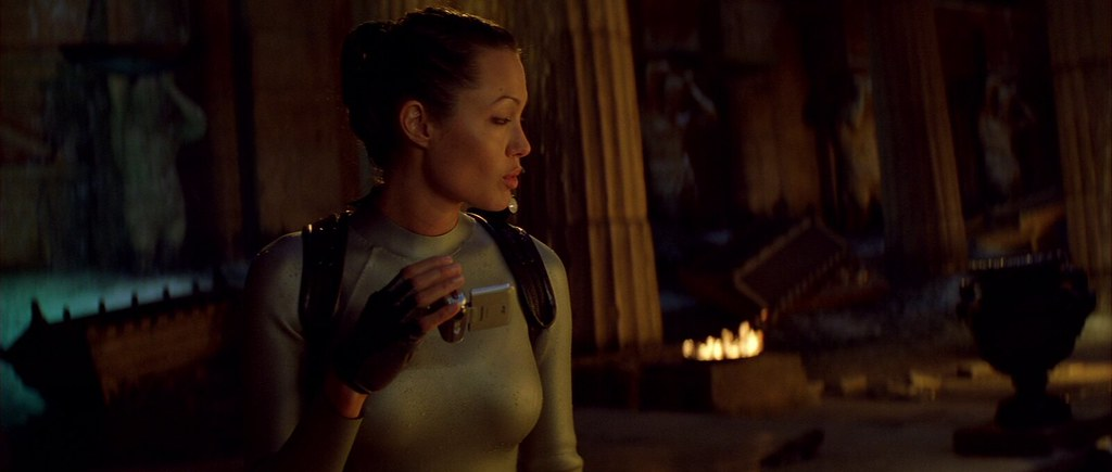 Angelina Jolie Screencaps In Lara Croft Tomb Raider The Cr Flickr