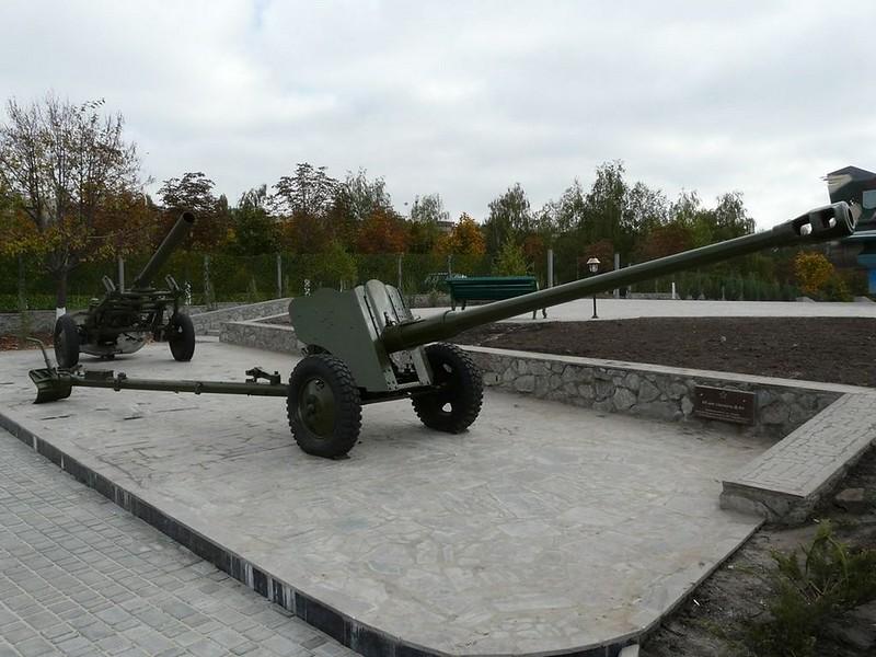 85 mm divisional gun D-44 5