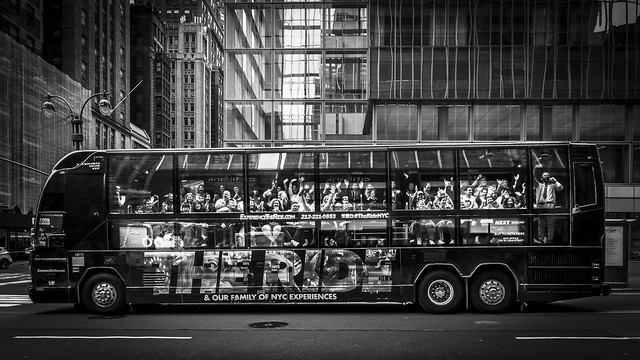 show bus of New York - THE RIDE