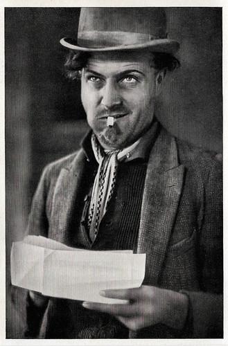 Willy Fritsch in Spione (1928)