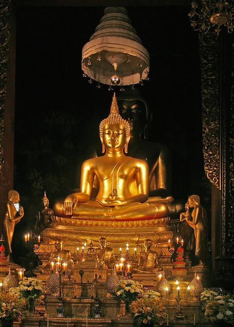 Im Bot von Wat Bowonniwet
