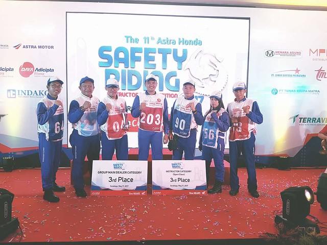 Team Safety riding yg berlaga