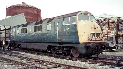 britishrail northbritish class43 warship bb d847 strongbow dieselhydraulic bulmers hereford herefordshire train railway locomotive railroad