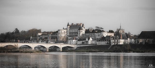 Vue sur le château d'Amboise ( Indre et Loire)